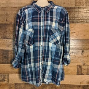 Maurices women's long sleeve button up plaid shirt